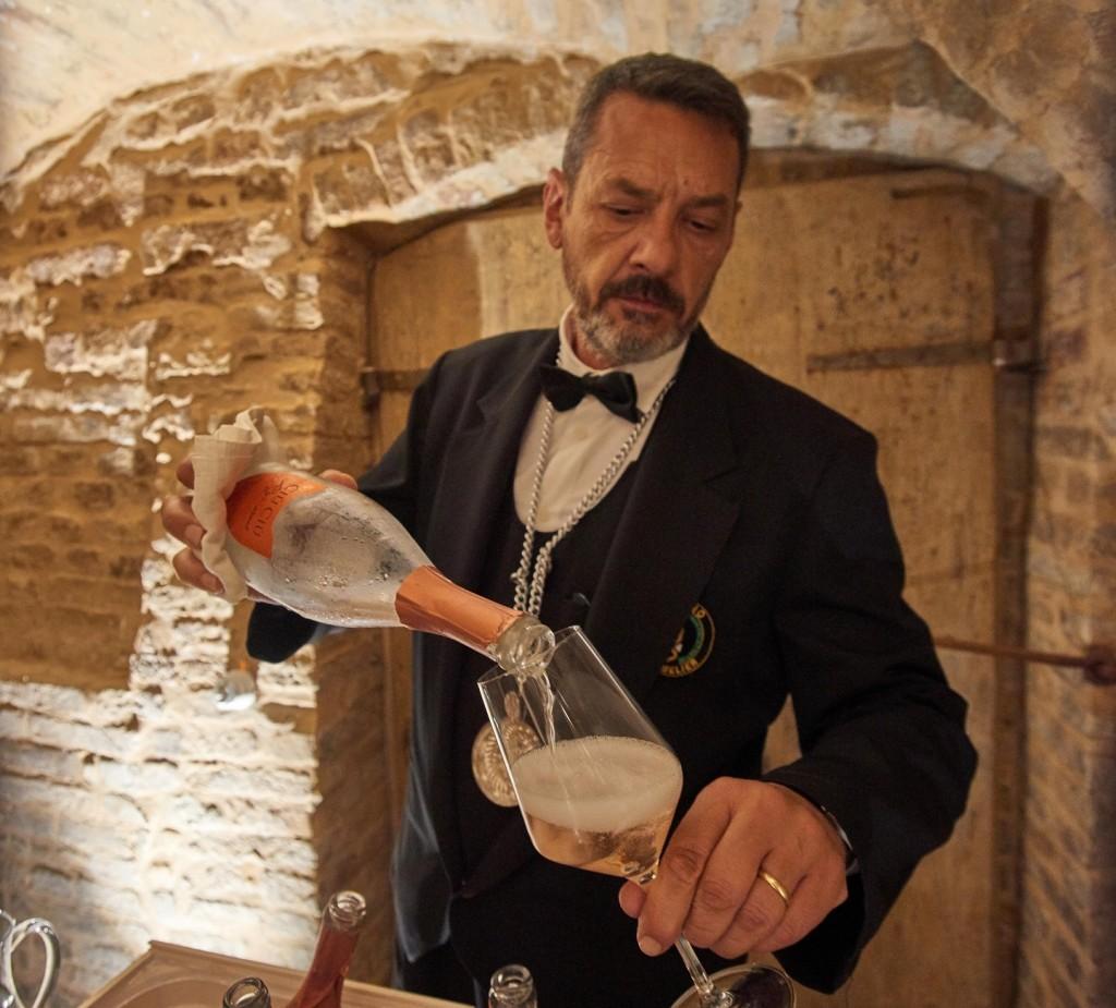 Novità in casa Ciù Ciù: ecco il vino spumante Rymarosè Marche I.G.P. Sangiovese